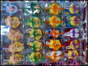 souvenir gunting kuku